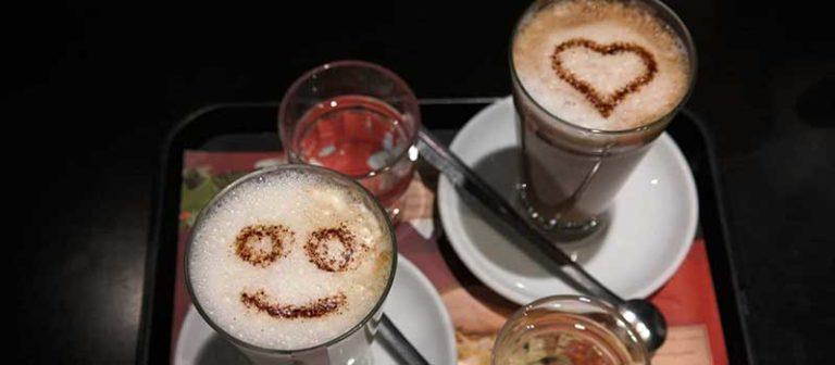 Cafe AU Lait vs Latte Guide