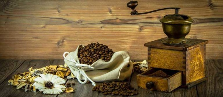 List of the Best Manual Coffee Grinder